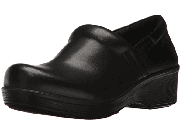 dansko professional clogs in black are perfect for pastry school