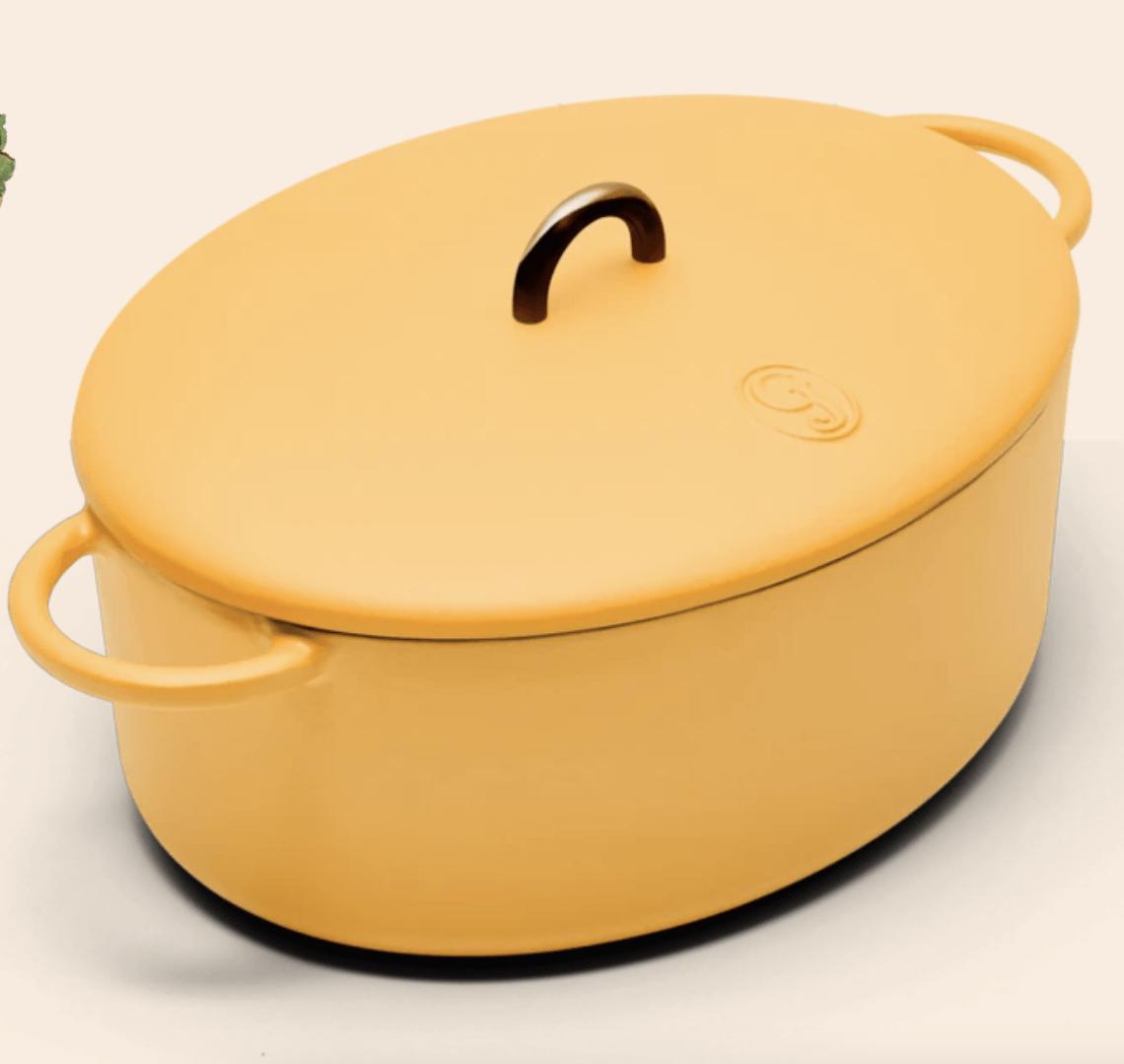 the dutchess dutch oven in mustard