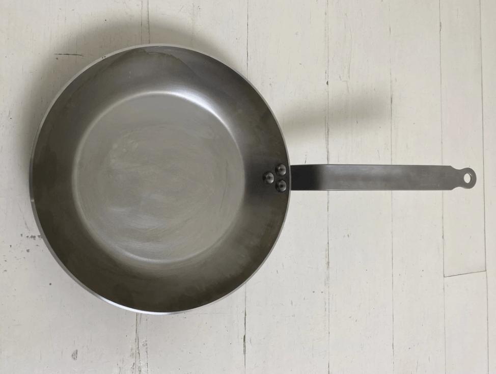 No. 10 Carbon Steel Pan