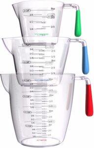 a 3 piece set of nesting liquid measuring cups